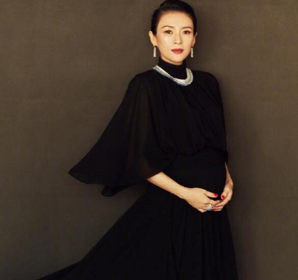 章子怡承认怀二胎 亮相红毯气场强大