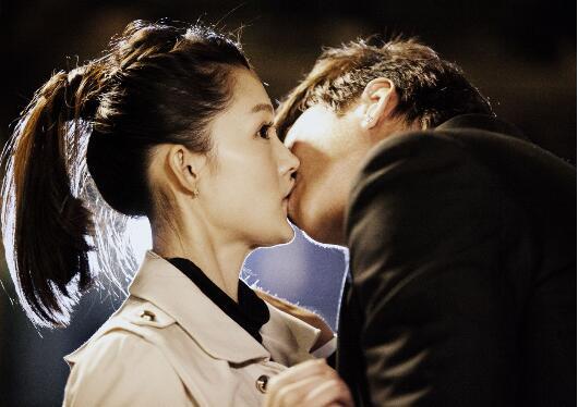 【热议】李沁金鹤奖却只是最佳女配角 李沁为什么怀了杨洋的孩子