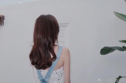 自然显白的气质秋冬发色发型大全盘点 不用漂的初恋感发色简直美翻
