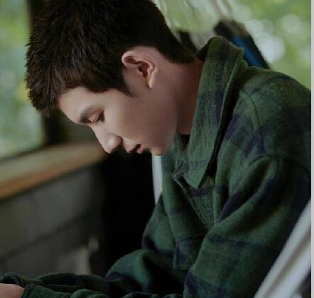 【喜讯】王源迎十九岁生日 易烊千玺为王源庆生兄弟情深