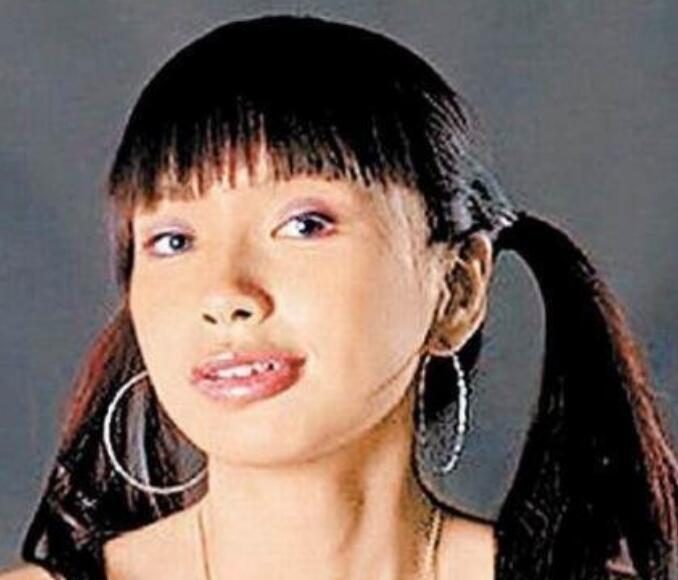 【看点】baby为黄晓明庆生  杨颖花一千万想删的8张照片是什么