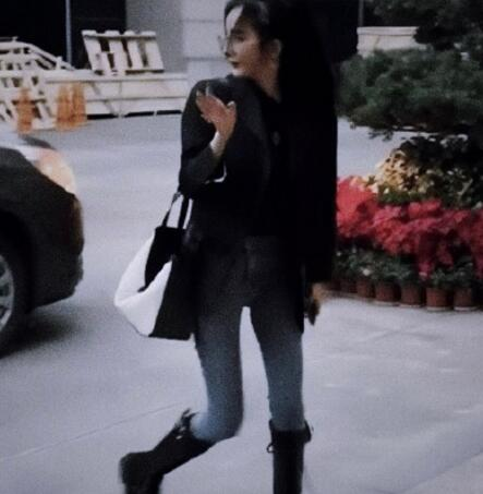 【组图】杨幂日常穿搭生活照图片2019 杨幂时尚穿搭大汇总