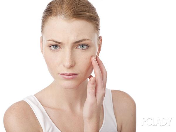 怎样缩小鼻头的毛孔?