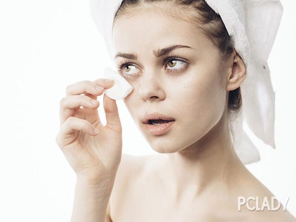 黑眼袋形成的原因有哪些?